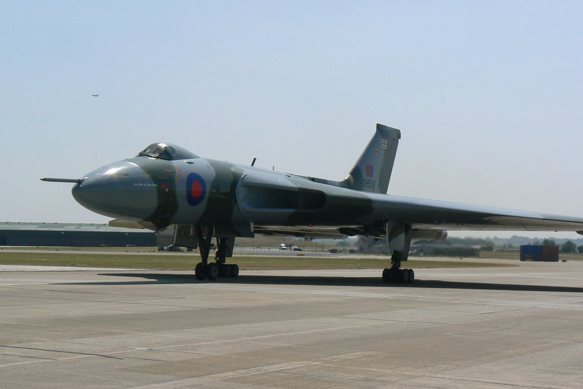 Fly the World's Only Vulcan Bomber Flight Simulator - 90 Minutes