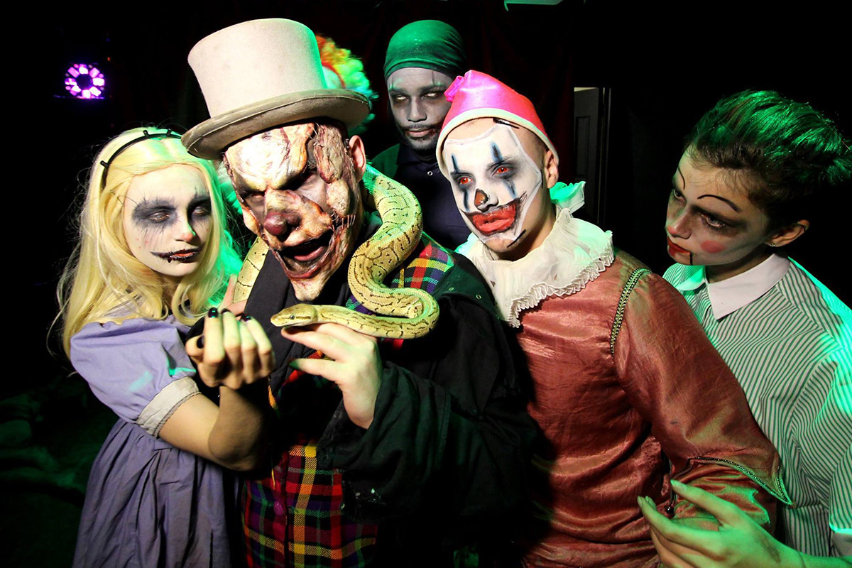 The London Bridge Experience and London Tombs - 2 Adults ...