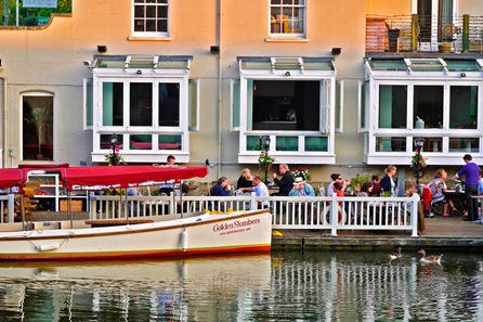 Cocktails for Two on the Riverbank in Oxford