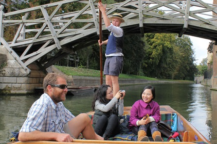 Chauffered Cambridge Punting Tour for Three