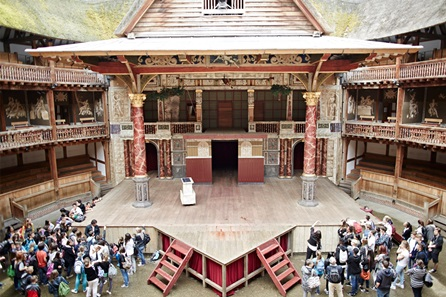 Guided Tour of Shakespeare's Globe Theatre and Thames Cruise Sightseeing Cruise for Two