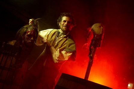 The London Bridge Experience and London Tombs - 2 Adults, 2 Children