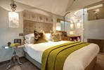 One Night 4* Chester City Break with Italian Food and Wine Pairings at Veen